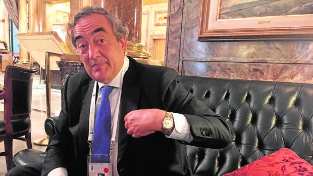 Juan Rosell, presidente de la patronal, dunrante su entrevista con ABC