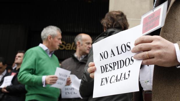 Protesta de empleados de la caja aragonesa