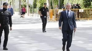 Miguel Blesa devuelve 436.866 euros gastados con su tarjeta «black»