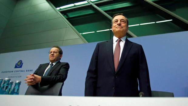 Draghi insta a la banca a realizar fusiones