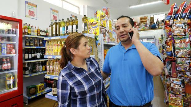 Una tienda de una pareja de ecuatorianos
