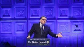 Durao Barroso justifica su fichaje alegando que Goldman Sachs «no es un cártel de la droga»