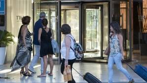 Los hoteles incrementan las pernoctaciones un 3,8% en agosto y los ingresos por habitación un 8,9%
