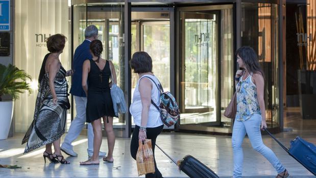 En los ocho primeros meses del año, las pernoctaciones en hoteles subieron un 7,8%, respecto a 2015