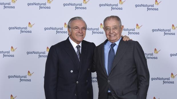 Isidro Fainé (i) será el sustituto de Salvador Gabarró (d) al frente de la multinacional energética
