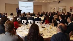 Las redes sociales influyen poco en los turistas que eligen Andalucía