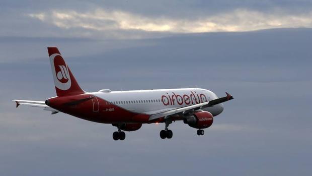 Un avión de la compañía tras despegar desde Berlín