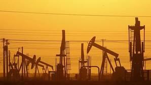 El petróleo se dispara tras acordar la OPEP recortar la producción