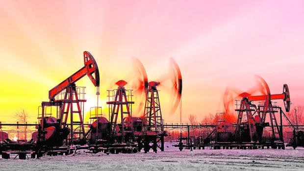 El petróleo se dispara un 3,56% y recupera la cota de los 50 dólares