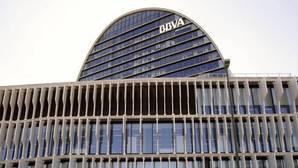 El Santander y el BBVA aseguran que no tienen intención de comprar más entidades en España