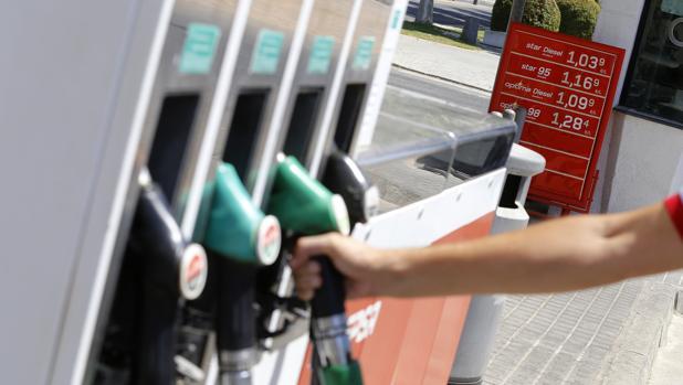 Las gasolineras independientes registraron en agosto los precios más bajos de los carburantes antes de impuestos