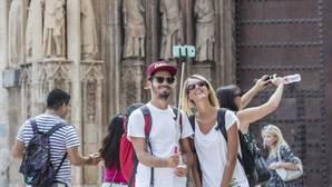 Los turistas extranjeros gastan en agosto un 3,8%, más aunque la media por viajero cae un 1,9%