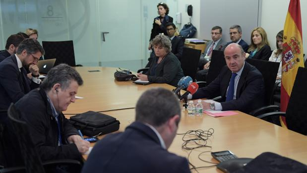 El ministro, durante su comparecencia ante la prensa