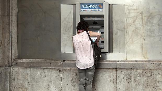 Las entidades financieras buscan elevar sus márgenes con más ingresos por comisiones