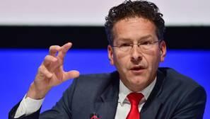 Dijssebloem pide a España verificar las cifras antes de enviarlas a Bruselas