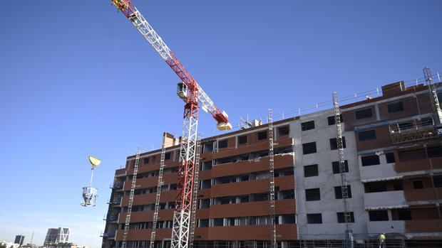 Edificio en construcción en la calle Alfonso XIII (Madrid)