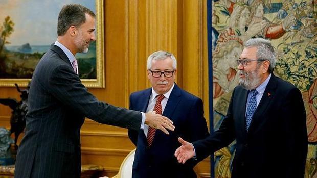El Rey recibió a Toxo y a Méndez en julio de 2015