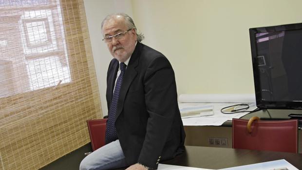 Pedro Guillén, en las oficinas de Omega en Plaza del Duque