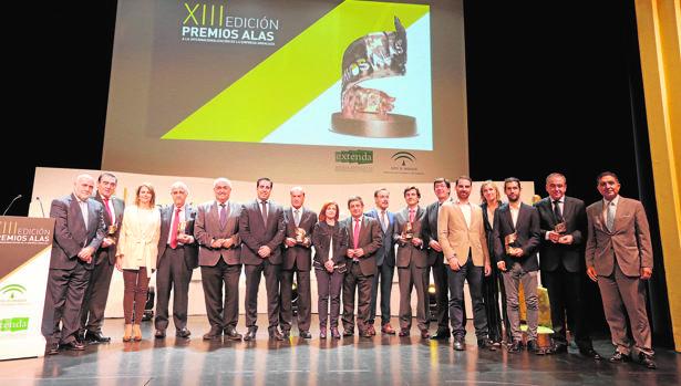 Foto se familia de los Premios Alas, que se entregaron ayer en la localidad jiennense de Alcalá la Real