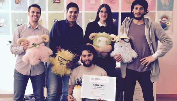 Norman, a la derecha, junto a sus cuatro socios de Cuicui Studios
