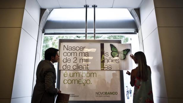 Novo Banco continúa buscanco comprador