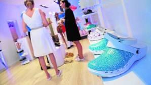Cuida tus pies con estos diez modelos de zapatos saludables y con diseño