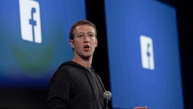 Fotografía de archivo de abril de 2013, del cofundador y CEO de Facebook, Mark Zuckerberg