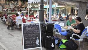 El empleo en el turismo bate el récord de 2,6 millones de trabajadores en el tercer trimestre
