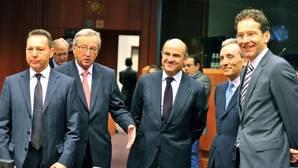 La primera gran cita de Guindos: el próximo martes irá a la Eurocámara a defender las medidas antidéficit