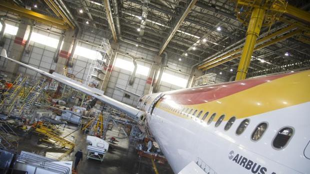 Zona de mantenimiento de aviones de Iberia