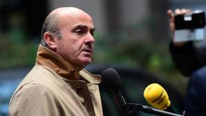 De Guindos espera que Linde cumpla su mandato al frente del Banco de España
