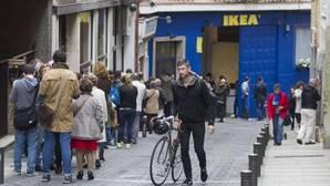 La gran superficie se asienta en el barrio para retener a un «consumidor infiel»