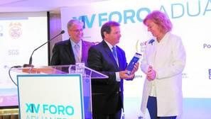 Antonio Llobet, primer Premio de Comercio Exterior de ABC-CZFB