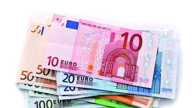 Más de un billón de euros en monedas y billetes circuló por por la zona euro en 2015