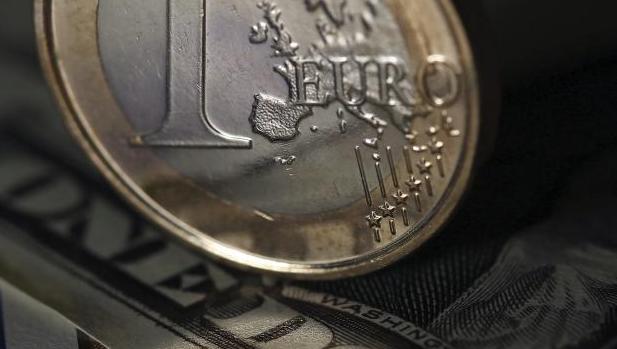 El euro cotiza ahora en el entorno de los 1,07 dólares, su nivel más bajo del año
