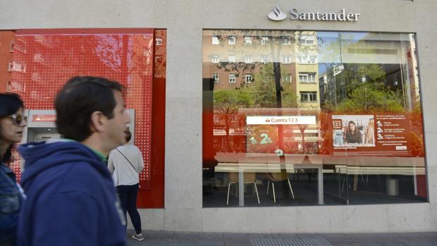 El Santander reforzará la gama de productos de su gestora de fondos