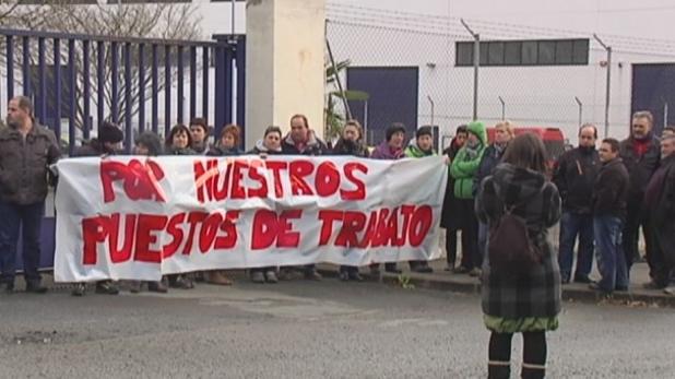 Concentración de trabajadores de Unipapel afectados por el ERTE