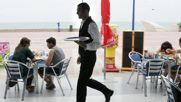 El mercado de trabajo español se caracteriza por su temporalidad y también por la estacionalidad en sectores como la agricultura y el turismo