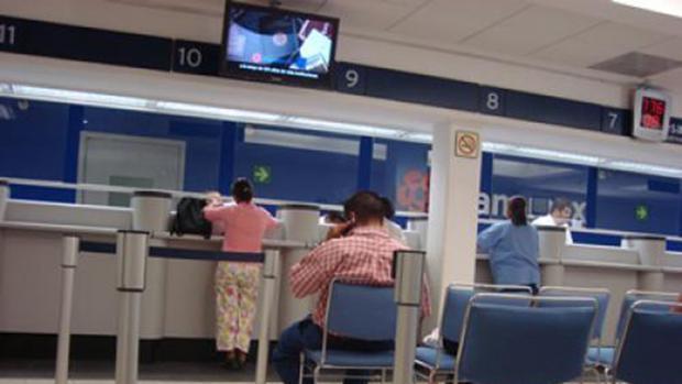 Los inspectores se hacen pasar por clientes en las sucursales de bancos y aseguradoras