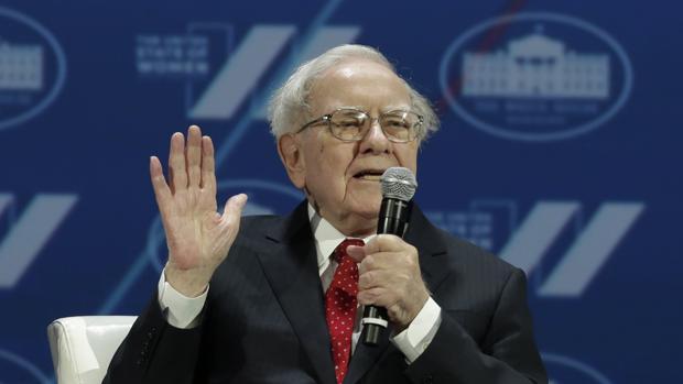 Warren Buffett, fue capaz de tumbar la libra hace tres décadas