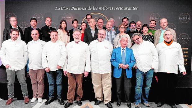 Foto de familia de la presentación de la primera Guía de restaurantes de Ciceroneclub
