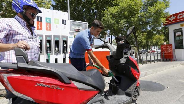 En el comportamiento de la inflación destaca la bajada de los precios de los carburantes