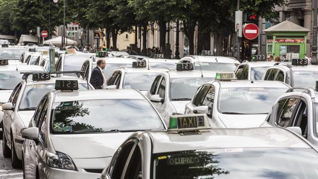 Manifestación de taxistas en Valencia