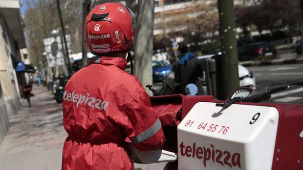 Imagen de archivo de un repartidor de Telepizza en Madrid