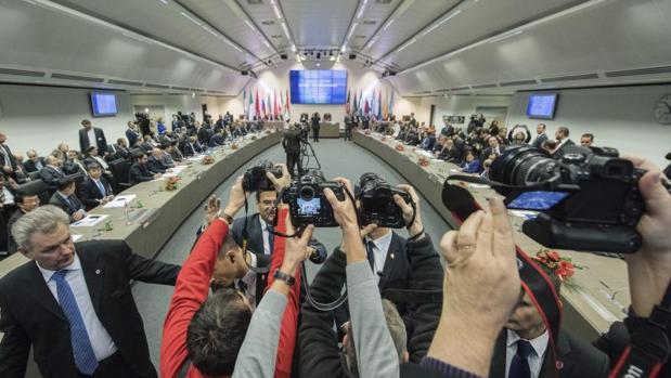 Vista general de la reunión de la OPEP, ayer, en Viena