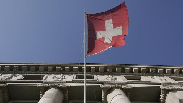 La banca suiza trabaja con la OCDE para que los datos recopilado sean utilizados sólo con fines fiscales