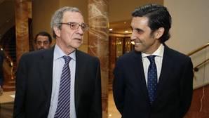 El CEO de Telefónica, Alvarez Pallete (d) y el presidente ejecutivo de la Fundación Telefónica, Cesar Alierta