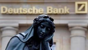 Estatua frente a la sede del Deutsche Bank, en Frankfurt