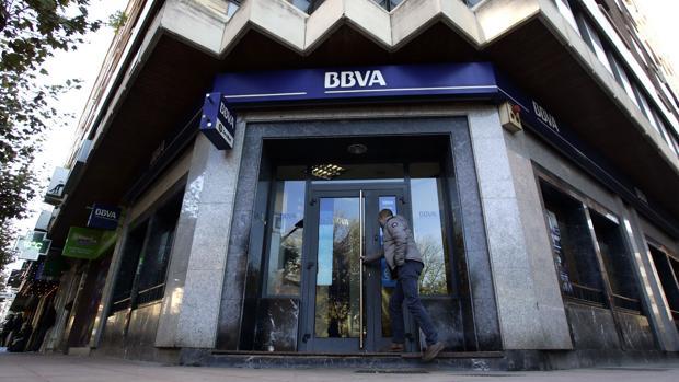 Bbva cerrar 130 sucursales hasta final de a o for Oficinas bbva almeria