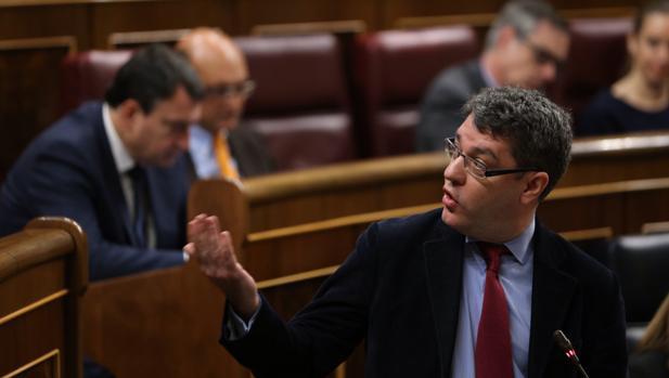 Álvaro Nadal, ministro de Energía, en el Congreso de los Diputados